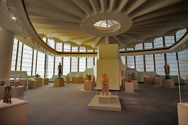 interior view of the Pavilion for Japanese Art by Bruce Goff