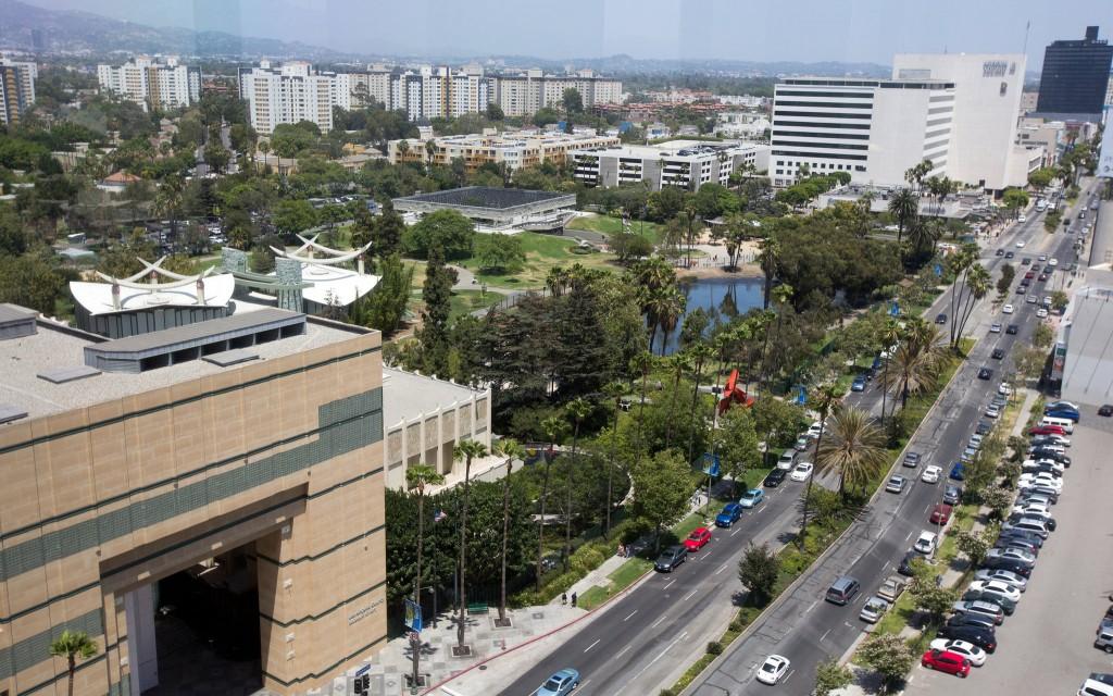 LACMA campus and La Brea Tar Pits. Image credit: Monica Almeida, The New York Times.