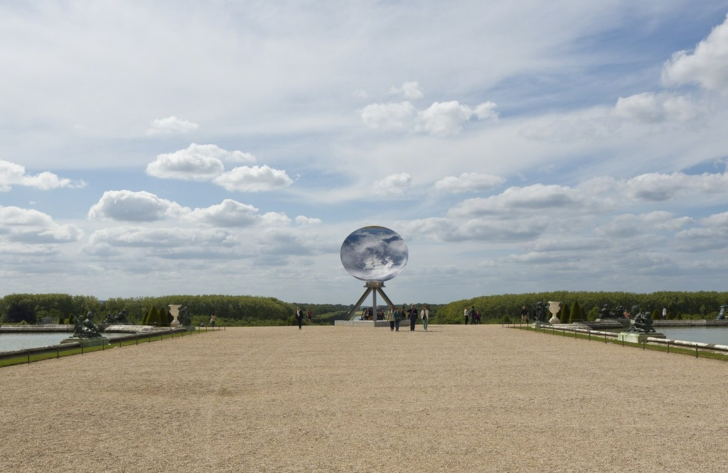 Anish Kapoor, Sky Mirror, 2013; stainless steel, 216 1/2 inches in diameter; installation view at the Château de Versailles, 2015; photo courtesy of Kapoor Studio, Kamel Mennour, Lisson Gallery, © Tadzio