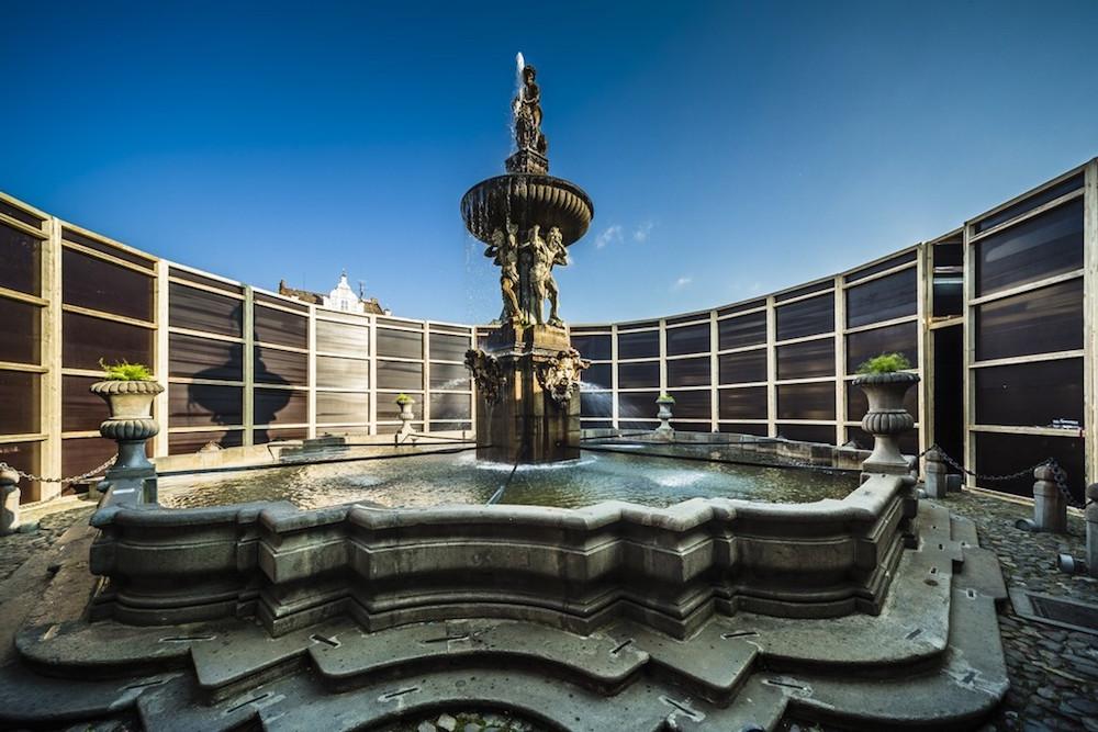 Jan Šépka, Perception, view of the Samson Fountain, České Budějovice, Czech Republic, 2016; photo © Tomas Maly